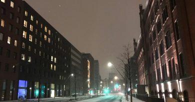Neuer Straßenzug einer Metropole - die urbane Logistik bleibt auch hier ungelöst (Foto: J. Munzinger)