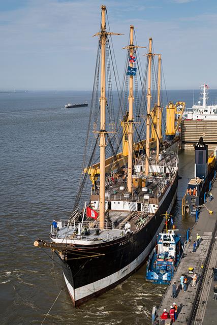 """Der Fotograf und Blogger Jan Sieg hat die """"Peking"""" auf der Überfahrt von New York zur Werft in Wewelsfleth begleitet, wo sie zurzeit restauriert wird. Foto: Jan Sieg"""