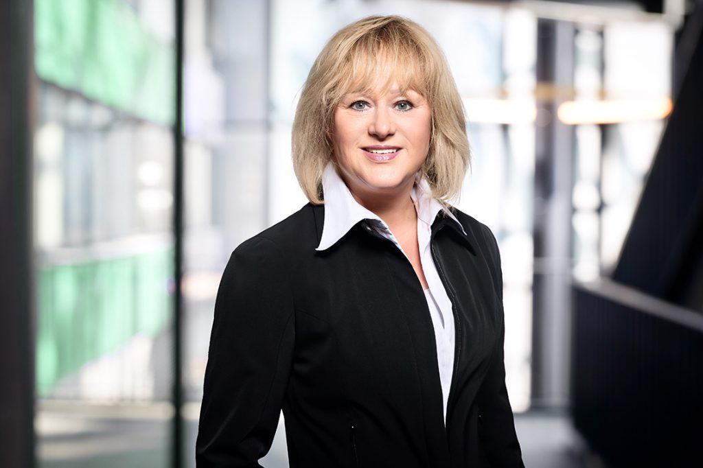 Dr. Claudia Weise ist Quartiersmanagerin vom nördlichen Überseequartier und Bereichsleiterin für Center- und Quartiersmanagement der BNP Paribas Real Estate Property Management GmbH. ©Privat