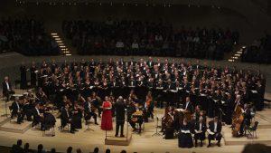 Zum ersten Mal trat ein Laienchor im Großen Saal der Elbphilharmonie auf (Foto: Pressefoto)