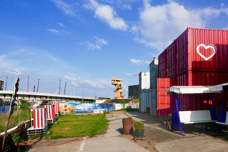 Floatility-Standort auf dem Baakenhöft im MLOVE Future City Campus (1): Start-up-Community an der Grandeswerder Brücke. Foto: Wolfgang Timpe