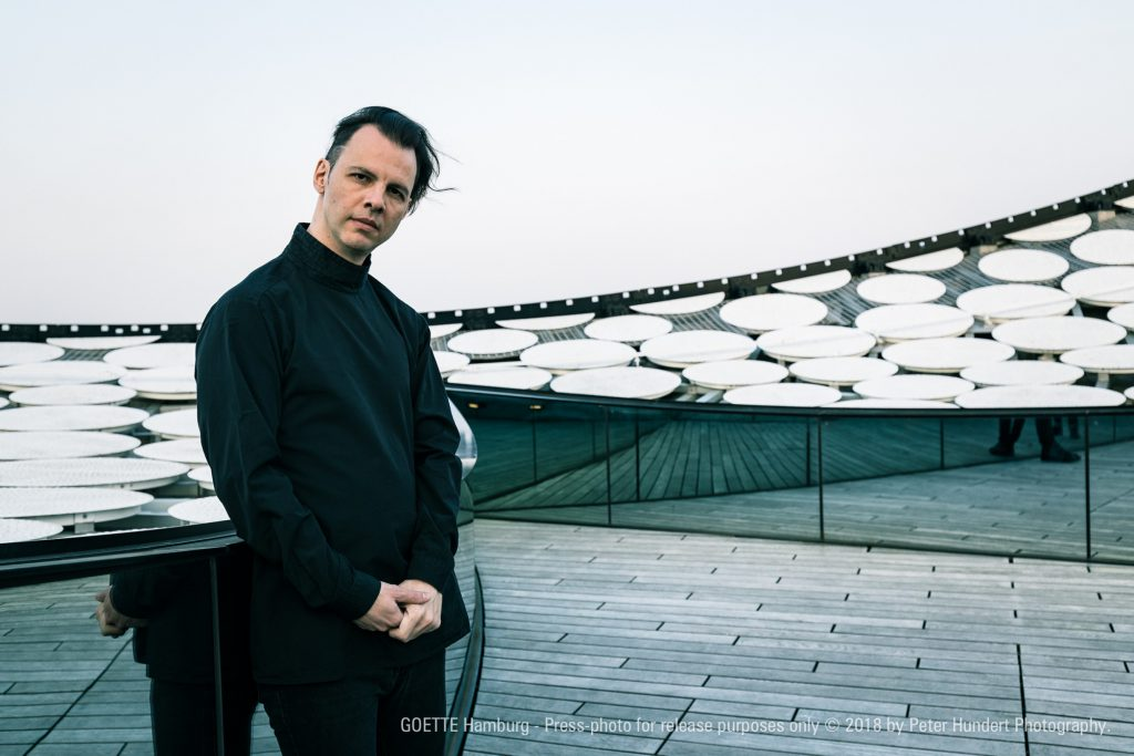 Teodor Currentzis dirigiert Gustav Mahler, Sinfonie Nr. 9 D-Dur; Elbphilharmonie, Großer Saal; Di, 17.12.2019, 20 Uhr; Besetzung: SWR Symphonieorchester / Teodor Currentzis. ©Peter Hundert