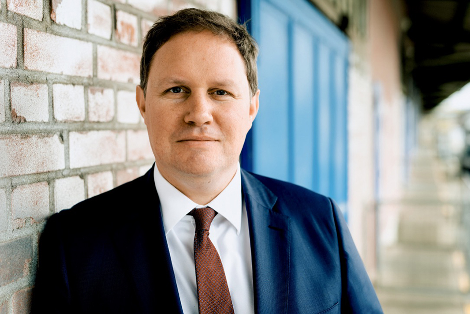 "Kultursenator Dr. Carsten Brosda im Oberhafen: ""v."" @Bertold Fabricius"