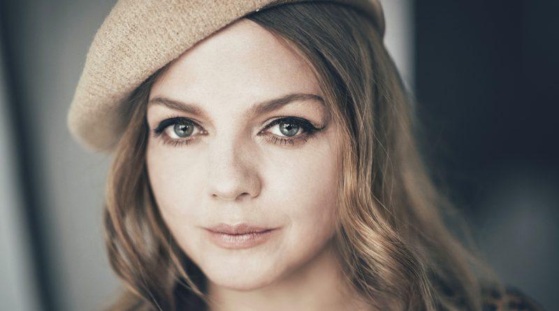 """Annett Louisiana wurde bei der Hamburg-Premiere ihrer Konzerttour """"Kleine große Liebe"""" vom Publikum gefeiert. Foto: Christoph Köstlin"""