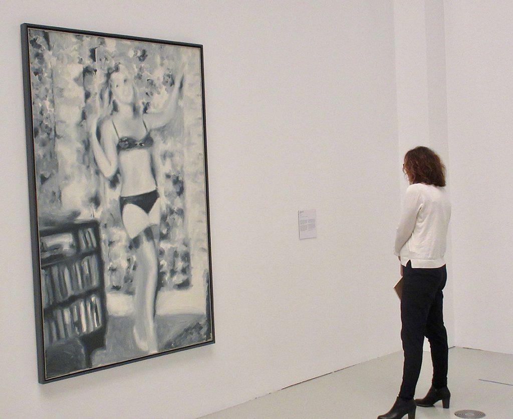"""Gerhard Richters """"Schwimmerin"""" von 1969 in der Ausstellung """"Baselitz – Richter – Polke – Kiefer. Die jungen Jahre der Alten Meister"""". Foto: Dagmar Leischow"""