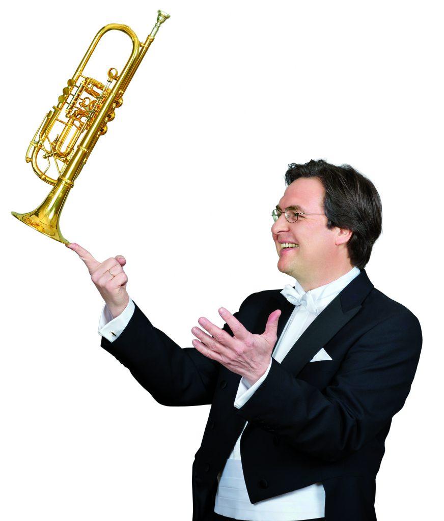 Trompeter Matthias Höfs mit dem Ensemble Arabesques im kleinen Saal der Elbphilharmonie. © Sibylle Zettler