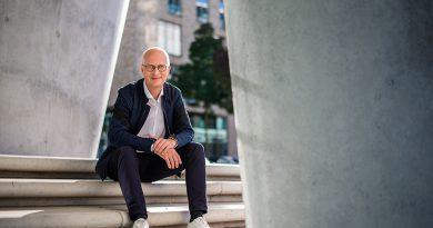 """""""Mein Ziel ist es, Erster Bürgermeister zu bleiben und das Regierungsprogramm der SPD als stärkste Kraft im Senat umzusetzen."""" Foto oben: © Senatskanzlei Hamburg"""