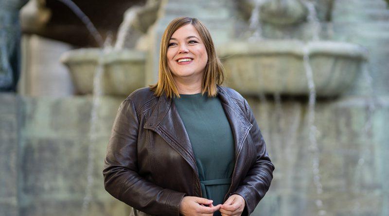"""Katharina Fegebank, Senatorin für Wissenschaft, Forschung und Gleichstellung: """"Die Hafenwirtschaft ist ja die Herzkammer unseres wirtschaftlichen Erfolgs. Es ist wichtig, auch ihre Belange und Sorgen zu hören."""" © GRÜNE Hamburg"""