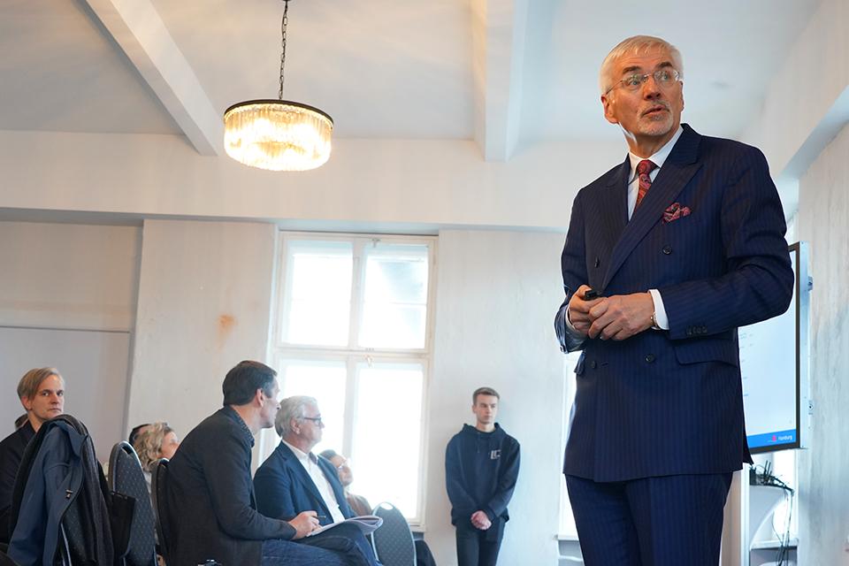 """Prof. Jürgen Bruns-Berentelg, Chef der HafenCity Hamburg GmbH: """"Urbanität kann erfolgreich geschaffen werden."""" © Thomas Hampel"""