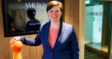 """""""Wir ziehen alle an einem Strang"""", sagt Hoteldirektorin Jennifer Schönau vom Pierdrei Hotel HafenCity Hamburg. © Wolfgang Timpe"""