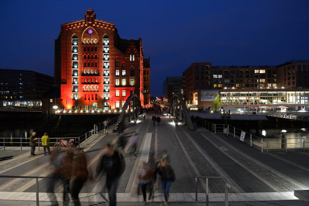 """Das Internationale Maritime Museum Hamburg (IMMH) beteiligt sich gemeinsam mit der Gastronomie """"Catch oft he Day"""" und dem Restaurant """"Alte Liebe"""" im Kaispeicher B. """"Events sind für uns als privates Museum ein ganz wichtiges finanzielles Standbein, um den ganzen Museumsbetrieb aufrecht erhalten zu können"""", so Museumsvorstand Peter Tamm. © Thomas Hampel"""