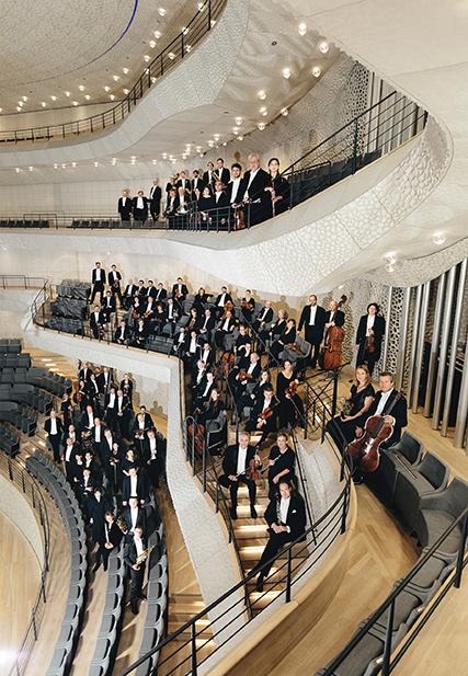 Am 1. September eröffnet das NDR Elbphilharmonie Orchester die Saison 2020/21. In den Sälen der Elbphilharmonie und der Laeiszhalle kann etwa ein Drittel der Plätze belegt werden. Um diese Einschränkung zu kompensieren, werden einige Konzerte zweimal pro Abend oder an zwei aufeinanderfolgenden Tagen gespielt. © Nikolaj Lund / NDR. © Nikolaj Lund / NDR