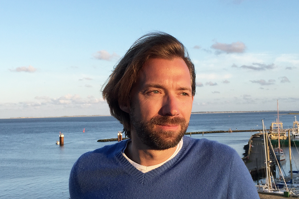 """Lothar Schubert, studierter Bauingenieur  und Immobilienökonom: """"Ich habe mein Studium teilweise finanziert als  Turnierspieler und Tennistrainer. Insgesamt bin ich schon ein glücklicher Mensch."""" © Privat"""