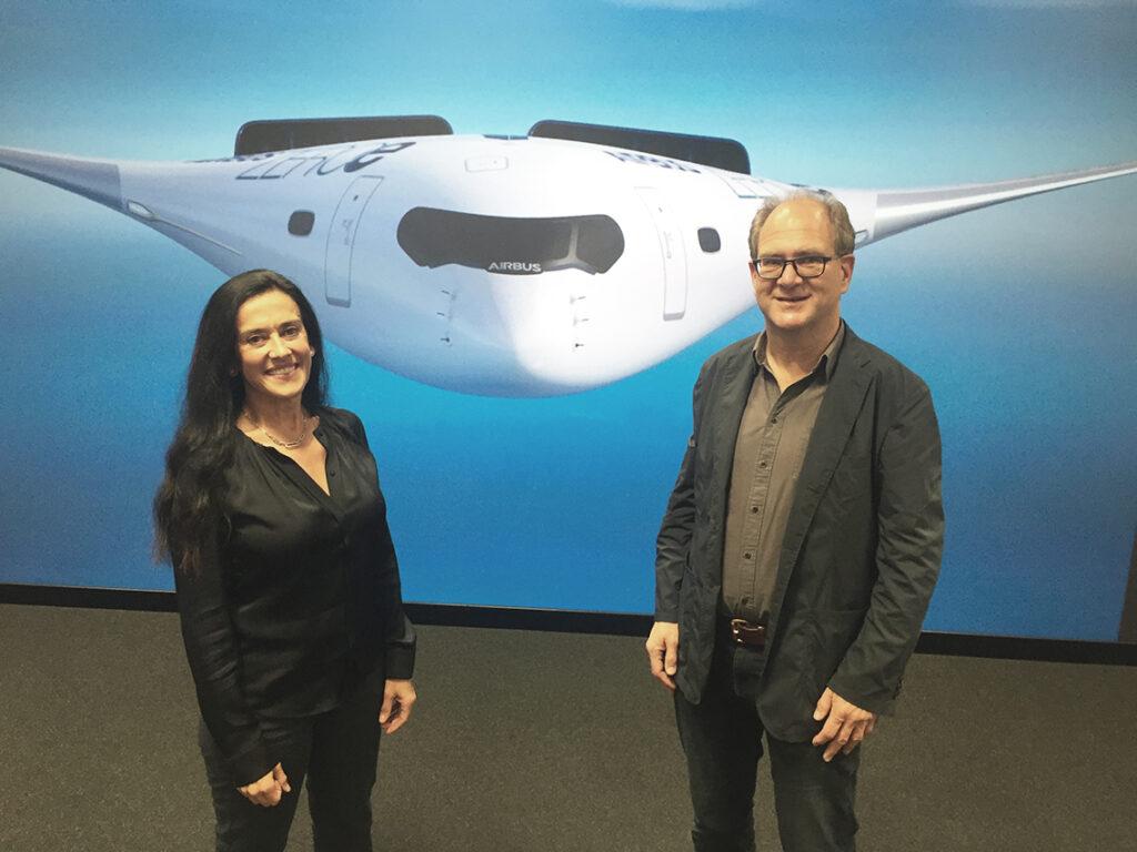 Airbus-Technologiechefin Grazia Vittadini und Luftfahrtjournalist Andreas Spaeth. @ Andreas Spaeth