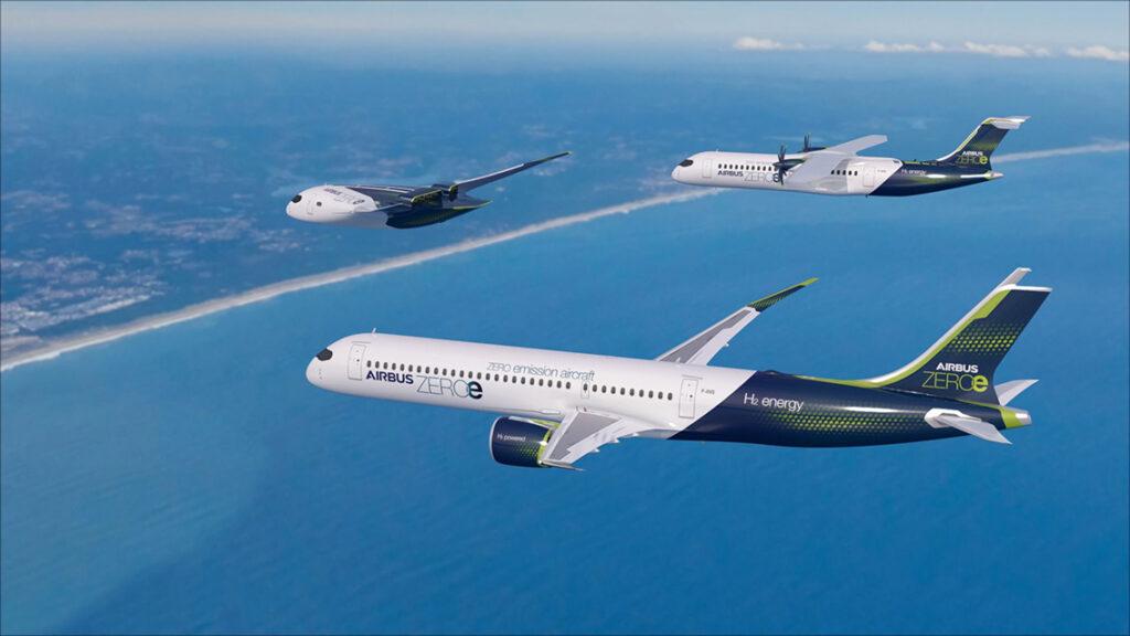 Zweiter Entwurf ist ein Turboprop-Flugzeug mit Propellerantrieb (Foto o. r.) für bis zu hundert Passagiere auf Kurzstrecken.@ Airbus 2020