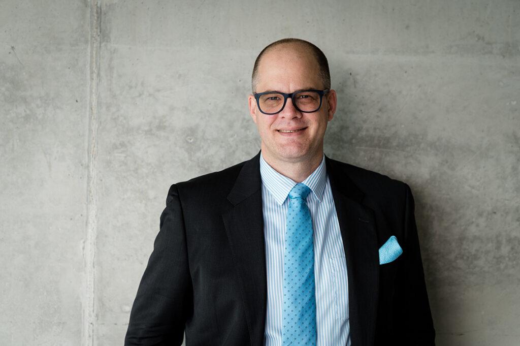 Prof. Jörg Müller-Lietzkow ist Präsident der HafenCity Universität Hamburg (HCU) und berät die Politik in Berlin bei digitalen Zukunftsfragen. © HCU