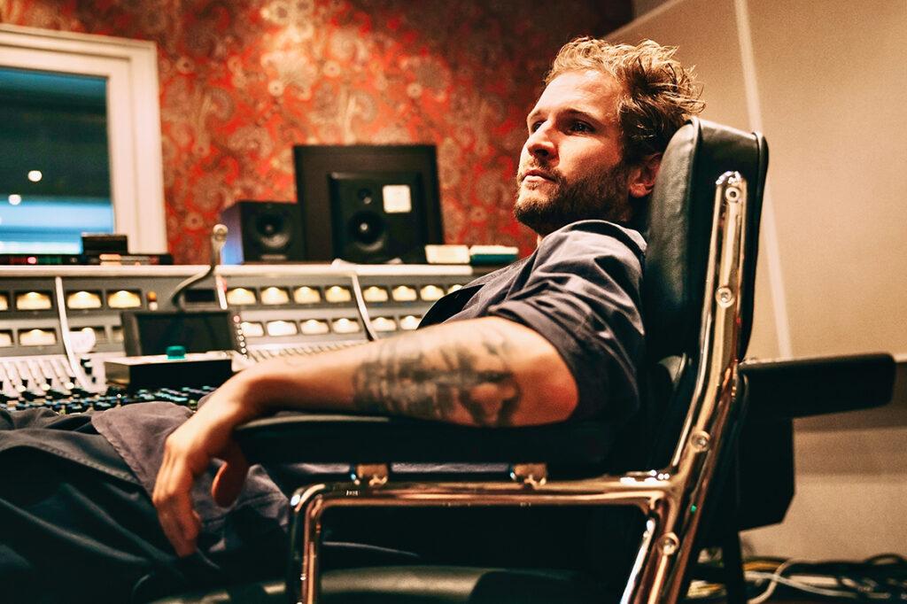 Fragt man Buchautor Johann Scheerer nach seinem Beruf, so antwortet er, er sei Musikproduzent. Seit 2005 betreibt er sein eigenes Tonstudio Clouds Hill Recordings in Hamburg-Rothenburgsort. © Stefan Schmid
