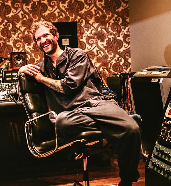 """Musikproduzent Johann Scheerer: """"Ich komme nie zu spät und ertrage es nicht, wenn andere zu spät kommen."""" © Stefan Schmid"""