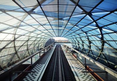 """Sieger-Gebäude II mit dem """"U- und S-Bahnhof Elbbrücken"""" des Architekturbüros gmp: Die Jury beeindruckte der """"architektonische Willkommensgruß an einer Stelle, die lange vor allem auf bessere Zeiten wartete"""". © Marcus Bredt"""