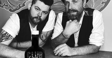 """Partner beim Unternehmen """"Club 20457 Gin"""" und ihrem neuen Konzept """"Zauberwald"""": Christian Niese und """"Club""""-Gründer Antonio """"Toni"""" Fabrizi. © Jessica Svartvit"""