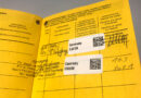 Gelber Impfpass mit zwei Aufkleber-Einträgen zur erhaltenen Corona-Schutzimpfung mit BionTech-Pfizer-Impfstoff im zentralen Impfzentrum in den Hamburger Messehallen im März 2021. © picture allianceSymbolbild zur Corona Schutz Impfung Gelbes Impfbuch mit 2 Aufkleber Eintraegen zur erhaltenen Conrona Schutz Impfung mit BioNTech Pfiser Impfstoff -------------------------------- Die Corona-Schutzimpfungen finden im Zentralen Impfzentrum in den Hamburger Messehallen (Eingang West) in der Messehalle A3 statt