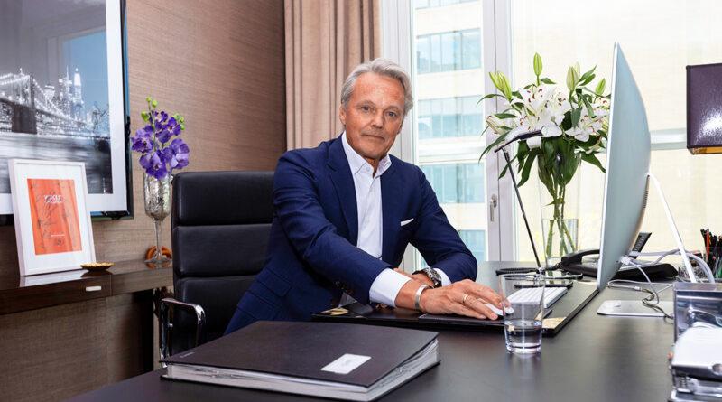 """Björn Dahler ist Geschäftsführender Gesellschafter DC Developments – der Projektentwickler baut u.a. die Luxuswohntürme """"Fifty9"""" und """"The Crown"""" auf dem Strandkai sowie zweite weitere Premium-Wohnhäuser im südlichen Überseequartier. © DC Developments"""