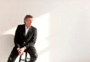 """US-Bariton Thomas Hampson: Den Schwerpunkt bilden drei Konzerte von Thomas Hampson. Sein Langzeitprojekt """"Songs of America"""" erweiterte er jüngst um """"A Celebration of Black Music"""", das er mit zahlreichen Gastsänger:innen erstmals auf deutschem Boden präsentieren wird. @ Dario Acosta 2011"""