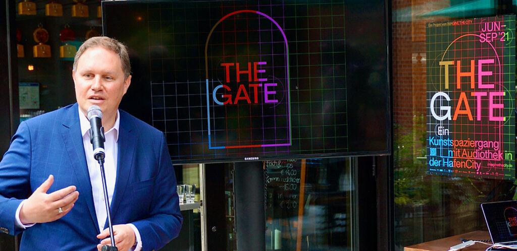 """Kultursenator Carsten Brosda: """"Die App """",The gate' zeigt, wie man das Digitale nutzen kann, nicht nur das Analoge abzubilden und zu ersetzen, sondern durch das Digitale besser zu verstehen und mit zusätzlichen Ideen und Informationen anzureichern."""" © Wolfgang Timpe"""