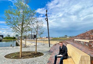 Landschaftsarchitekt Andreas Schneider von der HafenCity Hamburg GmbH auf dem von ihm mitentworfenen Amerigo-Vespucci-Platz. © Wolfgang Timpe