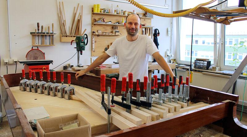 """Klangmanufaktur-Mitgründer Pierre Hellermann und Ex-Künstlerbetreuer bei Steinway & Sons: """"Wir hatten die Idee, den Fokus wieder stärker auf das Instrument zu legen."""" © Dagmar Leischow"""