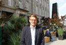 """Martin Wolfrat, Leiter der Hamburger Niederlassung von Art-Invest Real Estate Management: """"Die Menschen wollen heute mehr als gute Geschäfte."""" © Dagmar Leischow"""