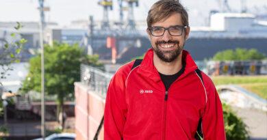 """David Stoop, MdB-Kandidat der Linkspartei für Hamburg-Mitte: """"Wir sind keine Don Quijotes, die gegen imaginäre Windmühlen kämpfen, sondern eher Robin Hoods, die es den Reichen nehmen und allen zugutekommen lassen wollen."""" © Privat"""