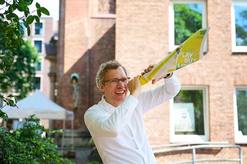 Der fröhliche Lautsprecher, Pastor Frank Engelbrecht, von der Hauptkirche St. Katharinen in Altstadt und HafenCity. © Catrin-Anja Eichinger