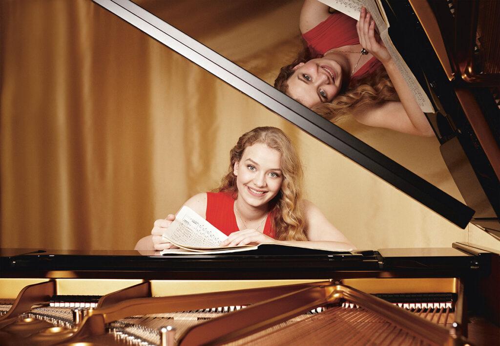 """Festival-Kurator Max Richter empfiehlt neben anderen Pianistin Elisabeth Brauß. Sie interpretiert Urmas Sisaks """"Sternenhimmelzyklus"""". © Monika Lawrenz"""