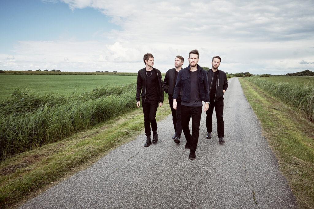 """""""Da hinten wird's wieder hell"""": Mottosatz und Songtitel auf neuem Revolverheld-Album.© Olaf Heine"""